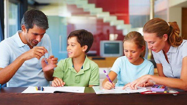 padres educan fuera de la escuela